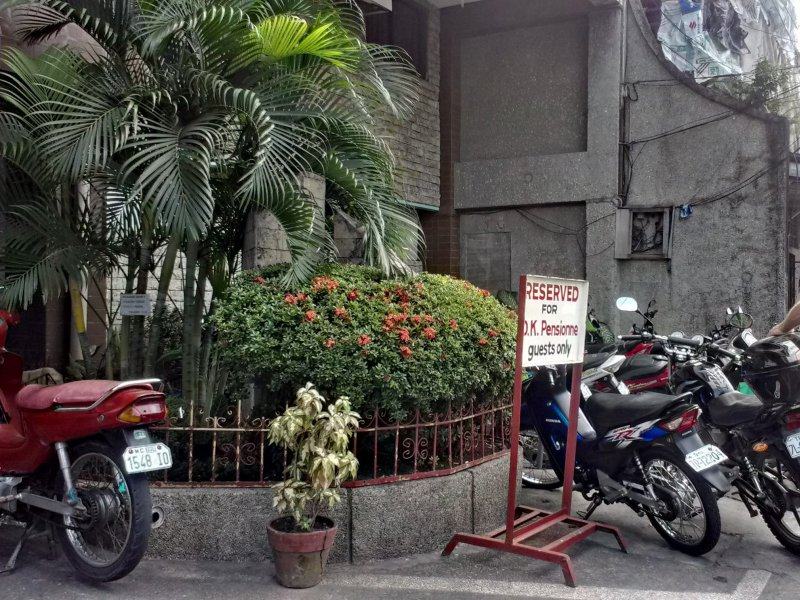 Parking @ OK Pensionne - Dumaguete